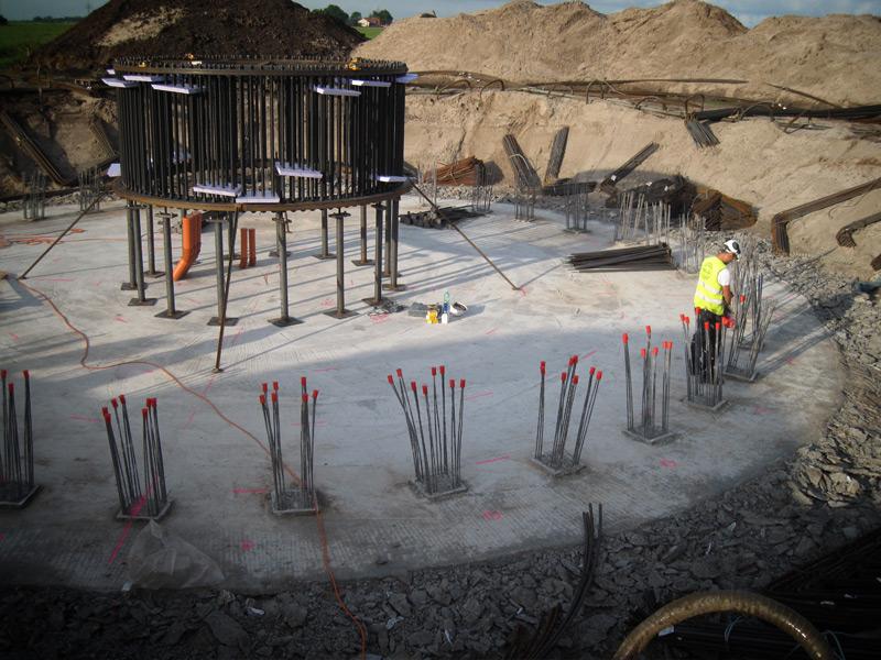 Mauer und Stahlbetonarbeiten